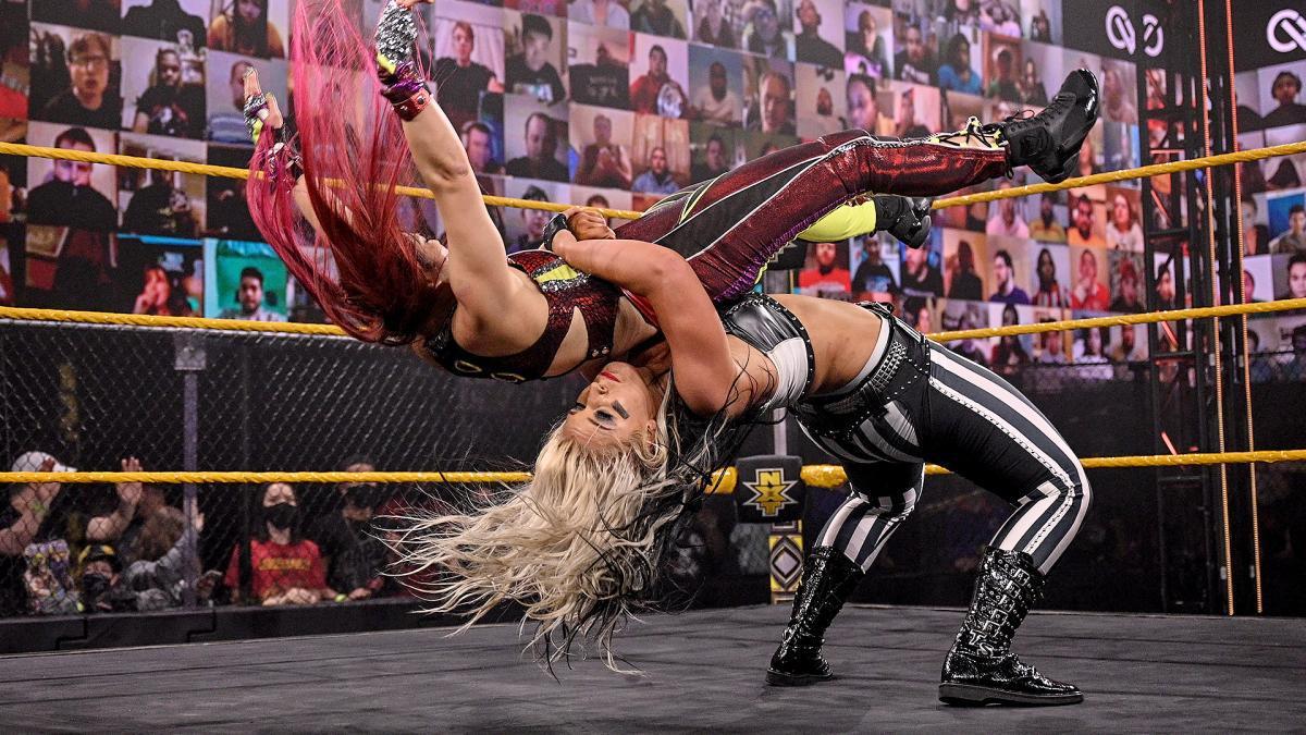 NXT女子冠军赛 紫雷迎战托尼风暴