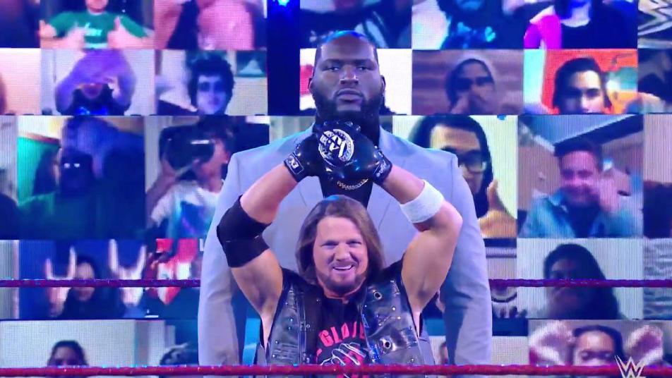 最萌身高差!AJ巨人保镖亮相 里德尔吓得魂都没了