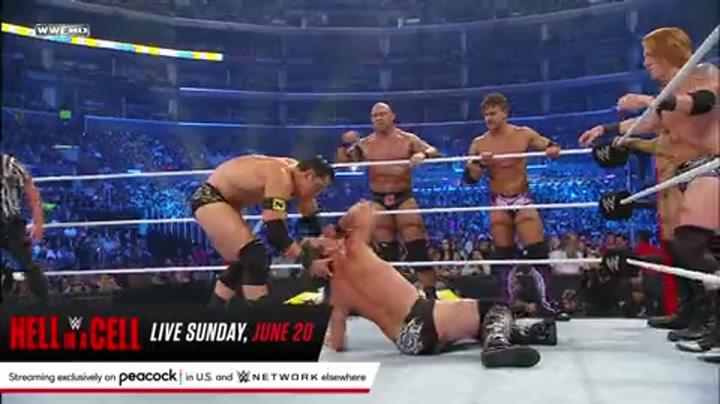 夏季狂潮2010:WWE小队VS枢纽军团