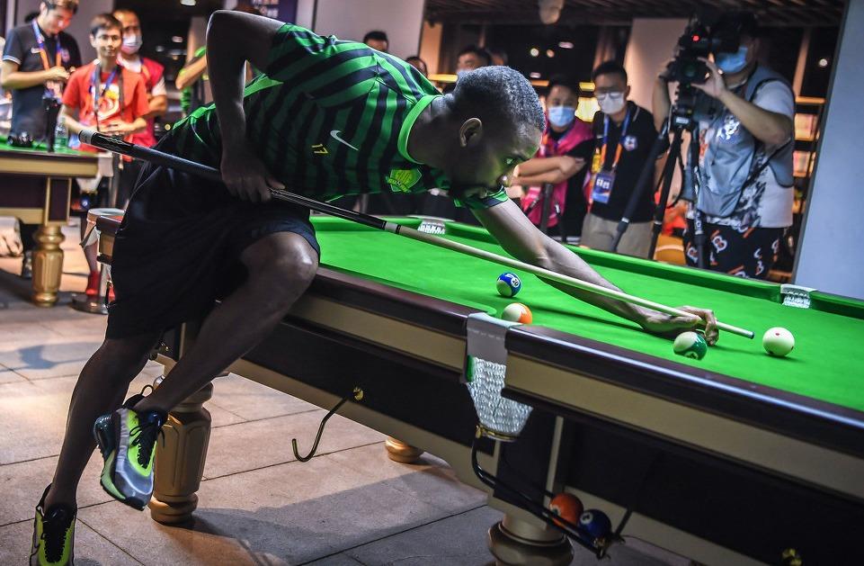 《前线vlog》巴坎布躺进决赛上演神级绝杀