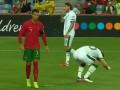 惹谁不好非要惹C罗!爱尔兰球员故意将球踢走 气的总裁动了手!