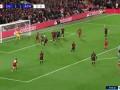 第100分钟利物浦球员萨拉赫射门 - 打偏