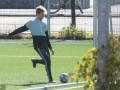 教你如何在野球场踢出职业前锋范儿 临门一脚很关键