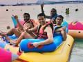 建业泰国冬训难耐高温 全队集体下海享受日光浴