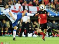 神塔对决!16年欧洲杯佩莱1球力压费莱尼取胜