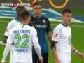 第26分钟沃尔夫斯堡球员罗宾·克诺赫进球 帕德博恩1-1沃尔夫斯堡
