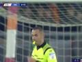 第88分钟博洛尼亚球员斯科鲁普斯基黄牌