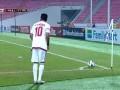阿联酋右侧角球落点精准 拉马丹飞身卧射被挡