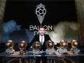 历史第1人!梅西颁奖典礼现场展示6座金球奖杯 何其壮哉