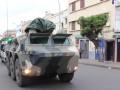 这才是真正的战争状态!疫情期间 摩洛哥出动装甲车劝民众隔离