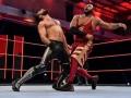 RAW第1401期:三对三组队赛 街头小子&欧文斯VS&加尔萨&西奥瑞&罗林斯