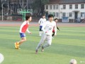 蒿俊闵现身大学校园踢野球 5脚传递最终破门