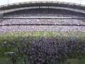 重温曼城英超首冠庆祝瞬间!万千球迷疯狂涌入球场