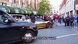 保时捷918倒车撞上911,两车相差1千万,车主此时有点慌