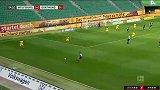第25分钟沃尔夫斯堡球员韦格霍斯特射门 - 打偏