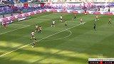 第89分钟法兰克福球员帕西恩西亚进球 RB莱比锡2-1法兰克福