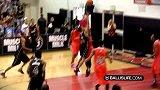 街球-14年-Ballislife 全美高中全明星赛:过人之王的对决!Trevor_Dunbar单挑Tyler_Ul-专题