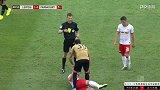 第41分钟法兰克福球员帕西恩西亚黄牌