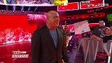 WWE-17年-RAW第1283期未播画面:安格拥抱儿子乔丹庆祝其赢得双打冠军-花絮