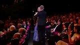戛纳开幕 朗贝尔·维尔森与妮可·基德曼跳舞助兴