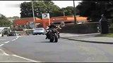 狂人座驾10缸大摩托最高时速560KM
