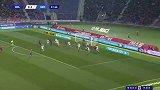 第62分钟博洛尼亚球员尼古拉斯-多明戈斯射门 - 打偏