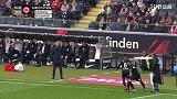 第77分钟法兰克福球员帕西恩西亚换上