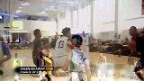 篮球-16年-都是人么!UA训练营火爆扣篮合辑分分钟点燃你-专题