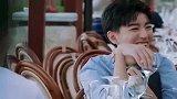 黄晓明提议喝酒,服务员直接问,你们要多少酒
