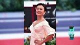 威尼斯主竞赛华语片《嘉年华》首映 51岁史可风情万种