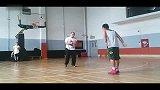 街球-14年-北京CL单挑赛:英国归来子健CL射手sniper李岩-专题