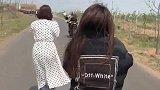 骑川崎ZX-10R的小姐姐你见过吗技术是如此娴熟~