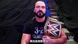 WWE众星送新年祝福:AJ的保镖一个镜头都没捞着