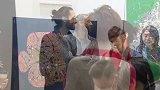 奥斯卡影帝跨界参加画展  阿德里安•布劳迪以鱼观世界