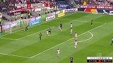 第34分钟法兰克福球员帕西恩西亚射门 - 被扑
