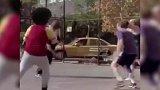 篮球-17年-化身洛杉矶小铁匠!爆笑恶搞球哥战快船表现-专题