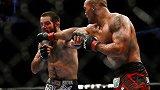 """UFC历史上的今天:""""无情""""劳勒嗜血大战给布朗整容"""
