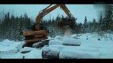 杰西博JZ140挖掘机在雪中