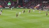 第24分钟伯恩茅斯球员威尔逊射门