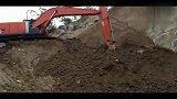 打通前进的道路 日立ZX210H挖掘机视频