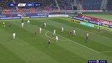 第83分钟博洛尼亚球员尼古拉斯-多明戈斯射门 - 被扑
