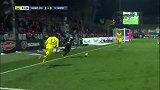 第64分钟昂热球员曼加尼射门 - 打偏