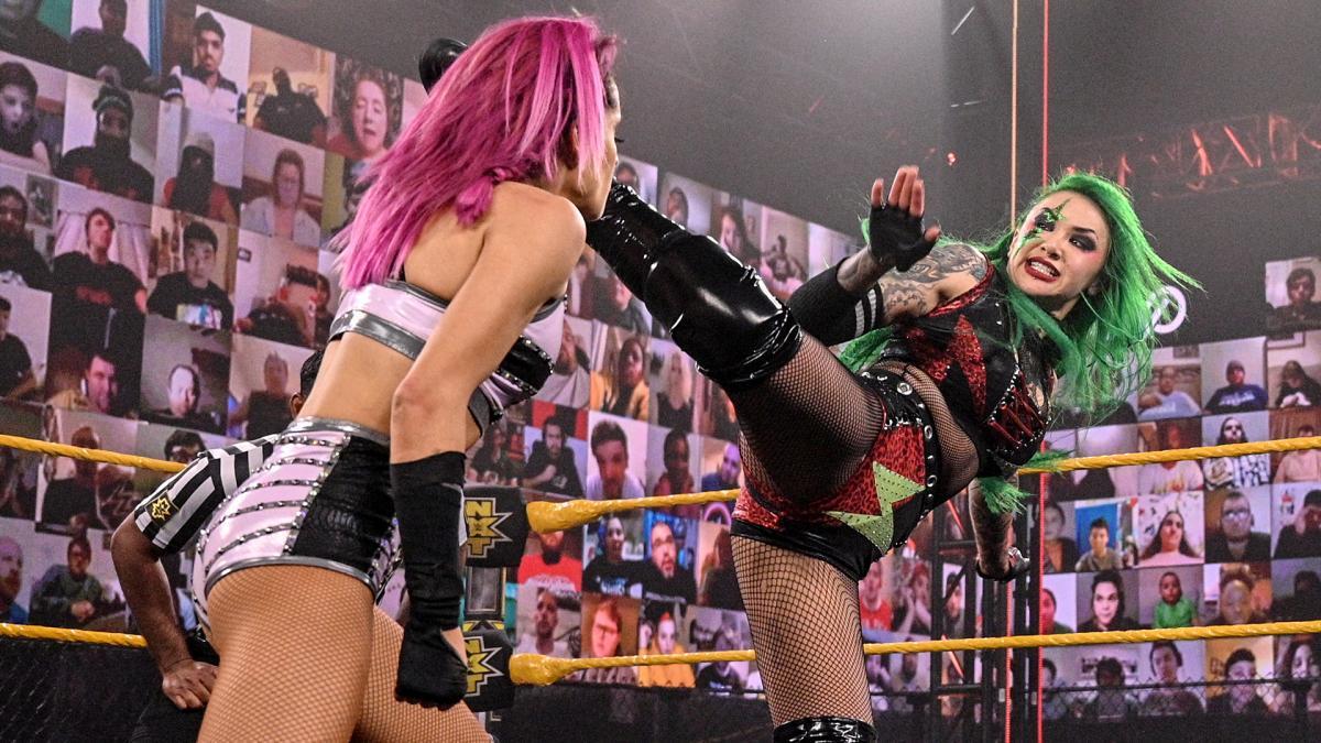 这腰带才刚到手就丢了!NXT女子双打冠军易手!