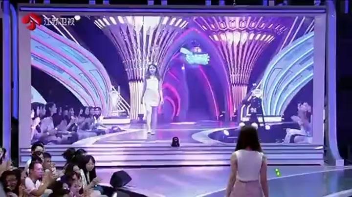 帅气男神告白节目组导演 为真爱放弃全场女嘉宾