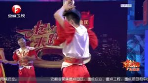 一起来跳舞第二季-20200307-现场即兴舞蹈获好评,摔跤舞队让人大开眼界
